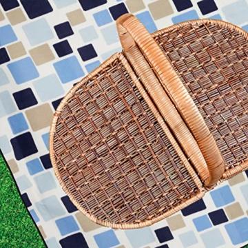 Relaxdays Picknickdecke XXL, 200 x 200 cm, wärmeisoliert, Faltbare Stranddecke, wasserdicht, mit Tragegriff, blau-beige - 9