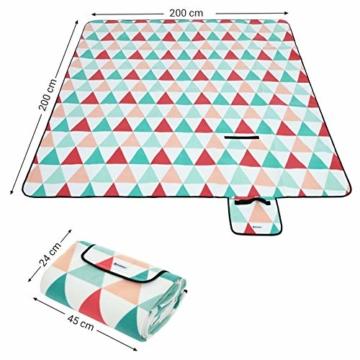 SONGMICS Picknickdecke, 200 x 200 cm, große Stranddecke, für Outdoor, Camping, Park, Garten, wasserfeste Unterseite, faltbar, rote Dreiecke GCM70RJ - 4