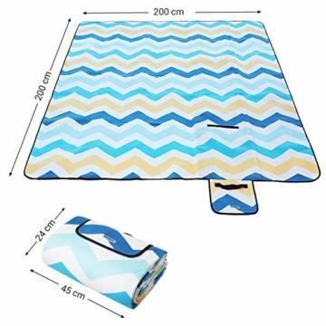 SONGMICS Picknickdecke, 200 x 200 cm, große Stranddecke, für Outdoor, Camping, Park, Garten, wasserfeste Unterseite, faltbar, blaue Wellen GCM70YU - 8