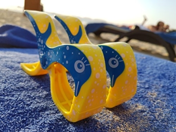 4 Stück Tuuli Beach Towel Clips - Hochwertige Strandtuchklammern im Premium Design (Sharky Türkis/Delphin Blau) - 2