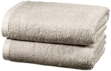 AmazonBasics - Handtuch-Set, schnelltrocknend, 2 Handtücher - Platingrau, 100% Baumwolle - 1
