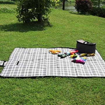Sekey Outdoor wasserdichte Picknickdecke 200 x 200 cm XXL Große Stranddecke wasserdicht mit Tragegriff - 2