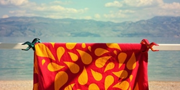 Tuuli Beach Towel Clips PREMIUM DESIGN - Hochwertige Strandtuch Klammer befestigen Handtuch Strandtasche Strandkleid Sonnenbrillen Strandmuschel an Sonnenliege Ideal für Windsurf Segeln Wakeboard Sonnenurlaub - 4