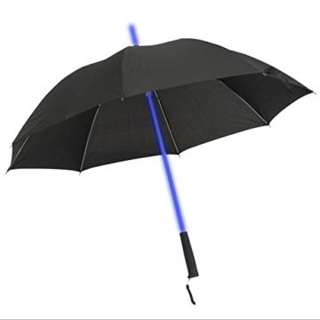 GOODS+GADGETS Leuchtender LED Regenschirm mit 7 Farben und integrierter LED Taschenlampe - 4