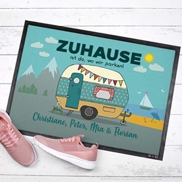 Herz & Heim® Personalisierte Fußmatte für Camper mit Campingwagen Motiv Größe: 50 x 70 cm - 3