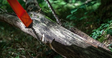 Nature is Adventure Mehr Biss mit 33 Zähnen aus Carbonstahl Handkettensäge inkl. Gürteltasche - Premium Survival AST-Säge Gartensäge für Camping, Garten & Outdoor-Zubehör - 5