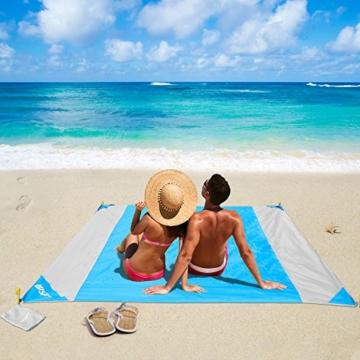 OUSPT Picknickdecke 210 x 200 cm, Stranddecke wasserdichte, Sandabweisende Campingdecke 4 Befestigung Ecken, Ultraleicht kompakt Wasserdicht und sandabweisend(Blau+Grau) - 1