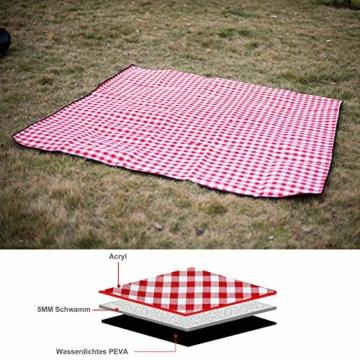 SPGOOD Picknickdecke 220 X 200CM 3XL 2-6 Personen wasserdichte Stranddecke Campingdecke wärmeisoliert Familiengröße Matte für Picknicks, Essen im Freien, Camping, Strand (Grünes Plaid) - 4