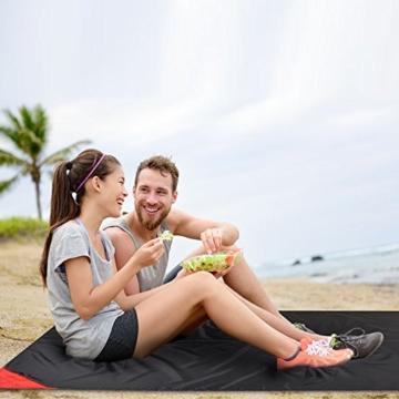 Odoland Picknickdecke 110 x 160 cm Stranddecke wasserdichte Sandabweisende Tragbare Camingmatte Ultraleicht Kompakt Strandtuch für BBQ, Strand, Reisen, Camping und Picknick - 7