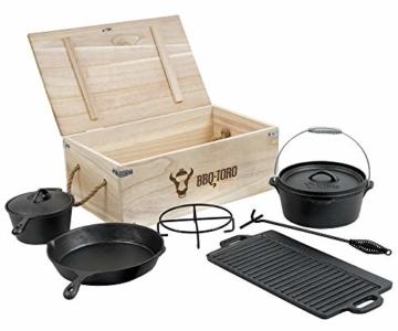 BBQ-Toro Dutch Oven Set in Holzkiste mit Dutch Oven und mehr | Gusseisen - bereits eingebrannt (7-teilig) - 1