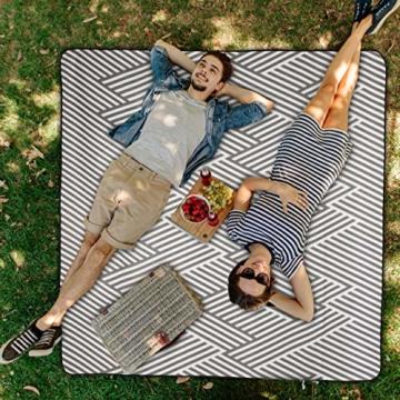 Relaxdays Picknickdecke XXL, 200 x 200 cm, wärmeisoliert, Faltbare Stranddecke, wasserdicht, mit Tragegriff, grau-weiß - 3