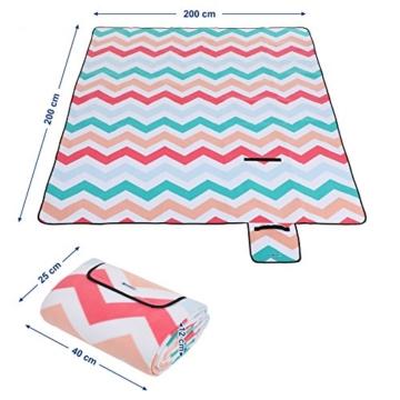 SONGMICS Picknickdecke, 200 x 200 cm, Stranddecke, für Outdoor, Camping, Park, Garten, wasserfeste Unterseite, faltbar, rote Wellen GCM70KW - 2