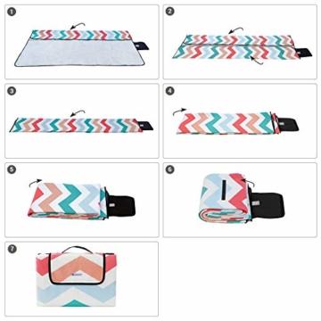 SONGMICS Picknickdecke, 200 x 200 cm, Stranddecke, für Outdoor, Camping, Park, Garten, wasserfeste Unterseite, faltbar, rote Wellen GCM70KW - 6