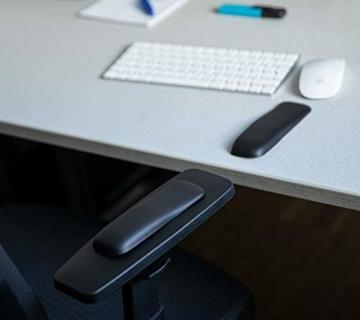 Gel-Buddy chair Die Armauflage für den Bürostuhl Gaming-Stuhl oder Schreibtischstuhl, Farbe:schwarz, Größe:15 x 5cm - 3